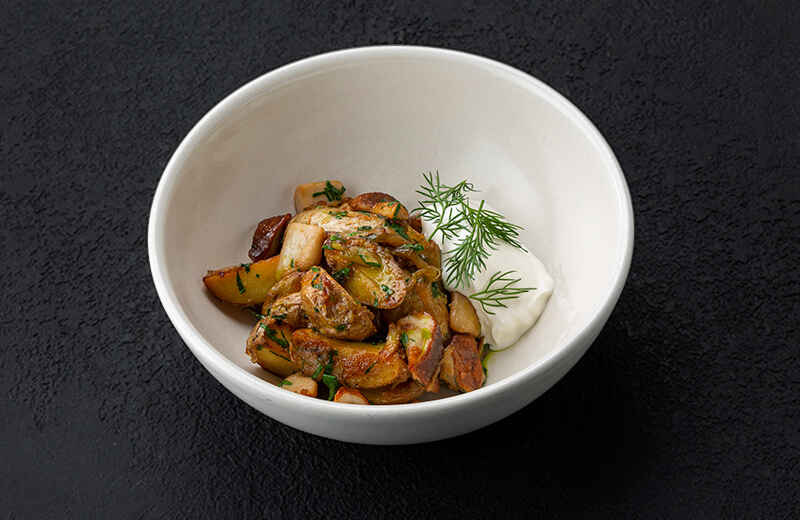Доставка на дом картофель с белыми грибами и сметаной