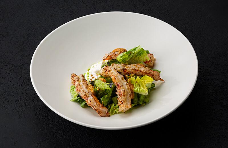Заказать салат с креветками, страчателлой и авокадо