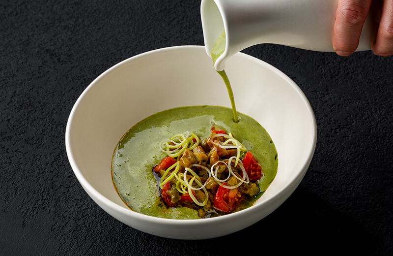 Заказ суп из лука-порея с рапанами и пармезаном